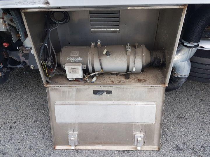 Camion porteur Renault D Caisse isotherme 12.210dti  spécial FLEURS BLANC - 9
