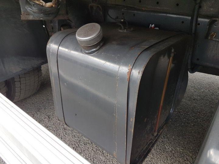 Camion porteur Renault D Caisse isotherme 12.210dti  spécial FLEURS BLANC - 11