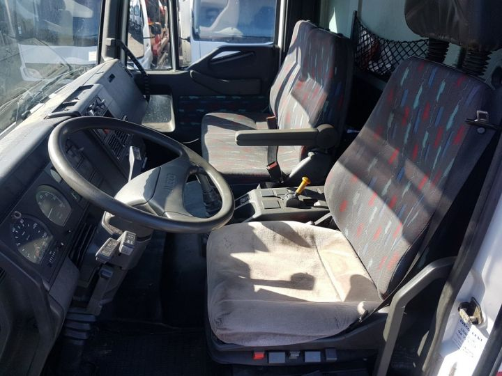 Camion porteur Iveco EuroCargo Chassis cabine 180 E 28 - Boite de vitesse en panne ROUGE - BLANC Occasion - 14