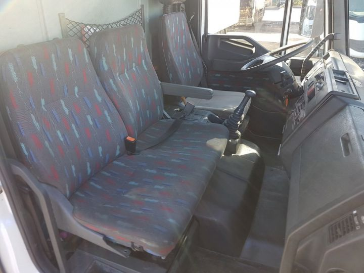 Camion porteur Iveco EuroCargo Chassis cabine 180 E 28 - Boite de vitesse en panne ROUGE - BLANC Occasion - 15