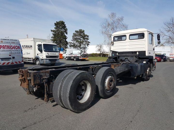 Camion porteur Man 26-322 Chassis cabine 6x2 - Moteur à réviser BLANC Occasion - 2