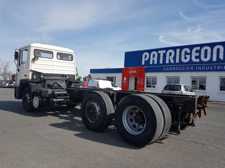 Camion porteur Man 26-322 Chassis cabine 6x2 - Moteur à réviser BLANC Occasion - 4