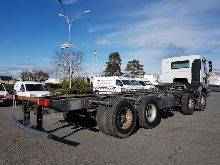 Camion porteur Renault Kerax Chassis cabine 420dci.32 8x4 CHASSIS 8 m. BLANC - 2