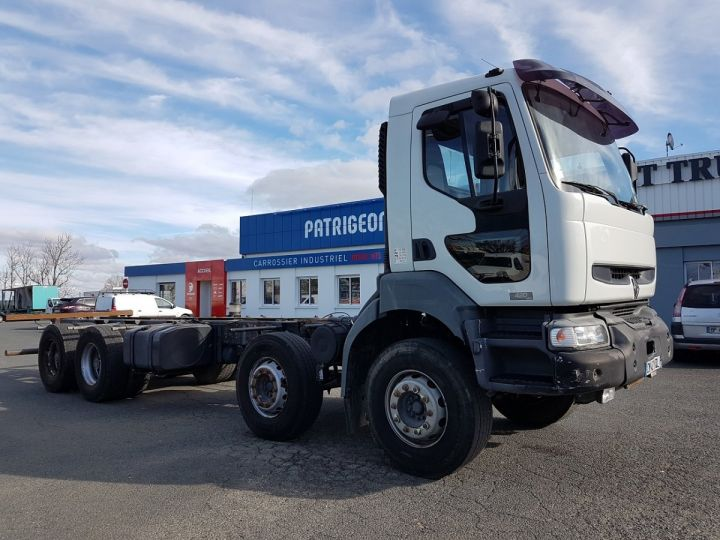 Camion porteur Renault Kerax Chassis cabine 420dci.32 8x4 CHASSIS 8 m. BLANC - 3