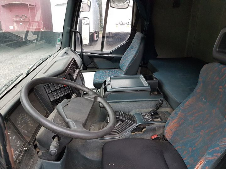 Camion porteur Renault Premium Chassis cabine 260.18 BLANC Occasion - 5