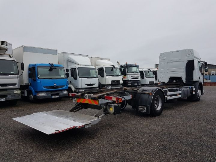 Camion porteur Renault Premium Chassis cabine 280dxi.19D chassis 7m20 BLANC - 3