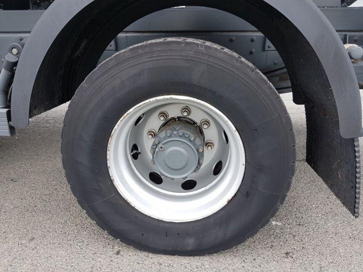 Camion porteur Renault Midlum Citerne hydrocarbures 210.16 BLANC Occasion - 13