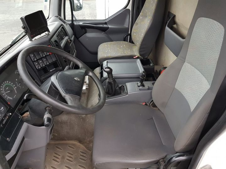 Camion porteur Renault Midlum Citerne hydrocarbures 210.16 BLANC Occasion - 19