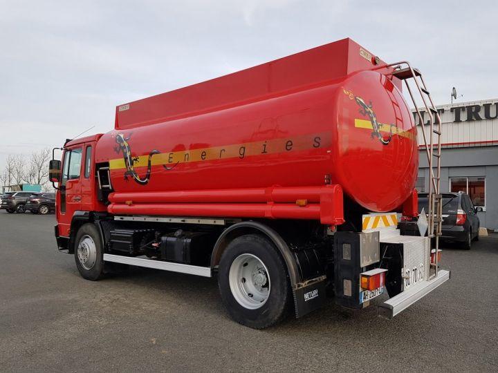 Camion porteur Volvo FL Citerne hydrocarbures 220.15 ROUGE - 4