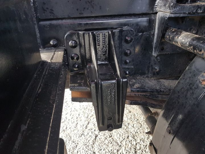 Camion porteur Volvo FL Citerne hydrocarbures 220.15 ROUGE - 13