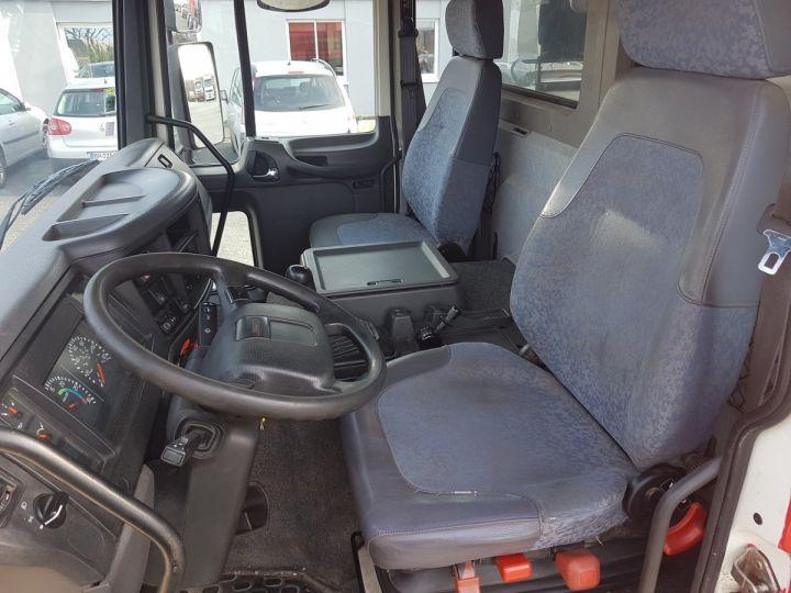 Camion porteur Volvo FL Citerne hydrocarbures 220.15 ROUGE - 16