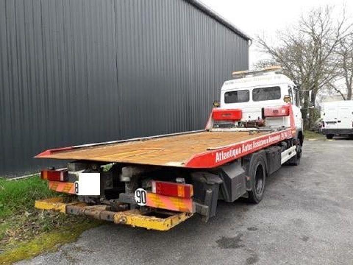 Camion porteur Mercedes Dépanneuse blanche - 4