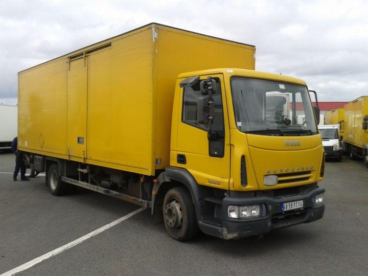 Camion porteur EuroCargo Jaune - 2