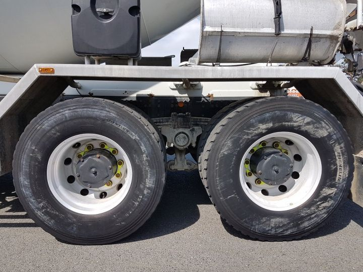 Camion porteur Iveco Trakker Malaxeur 410 8x4 - IMER 8.5m3 BLANC - 14