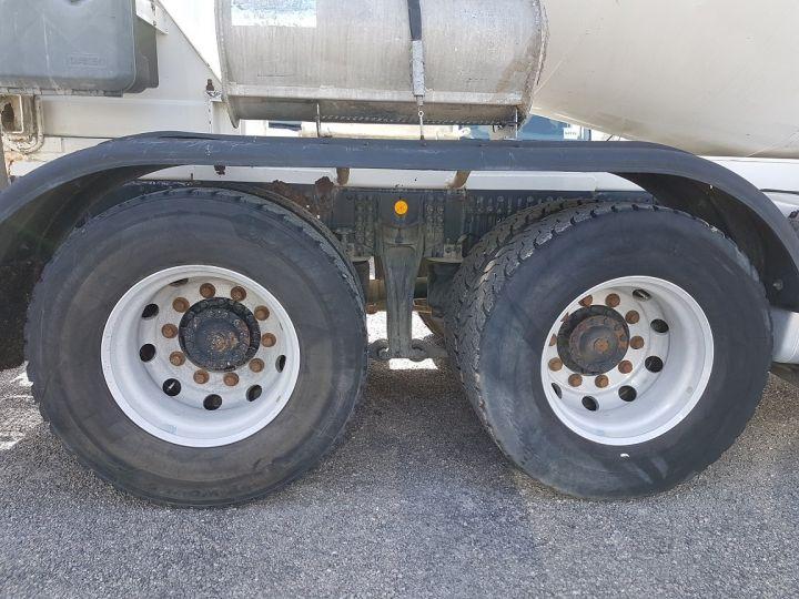 Camion porteur Iveco Trakker Malaxeur 410 EEV 8x4 FRUMECAR 9m3 BLANC - 13