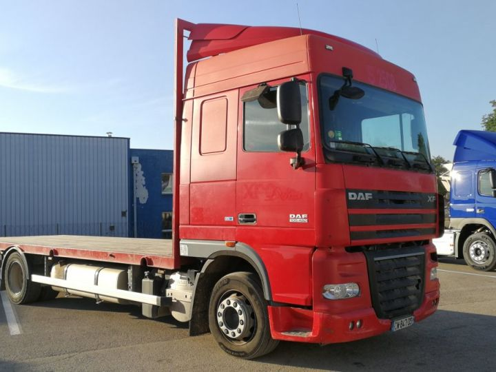 Camion porteur Daf XF Plateau XF 105 . 460 ROUGE  - 1