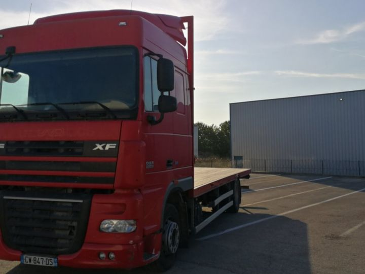 Camion porteur Daf XF Plateau XF 105 . 460 ROUGE  - 2