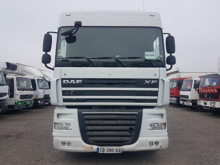 Camion porteur Daf XF105 Plateau 510 6x2/4 SPACECAB - Chassis 8 m. BLANC et VERT - 5
