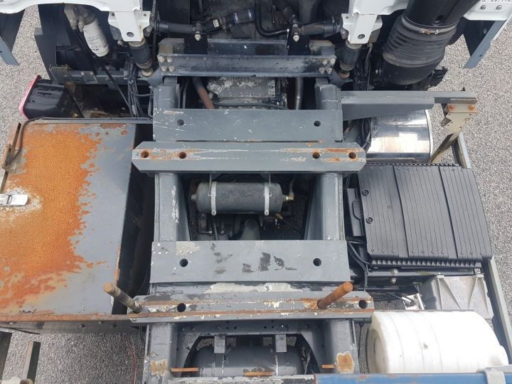 Camion porteur Daf XF105 Plateau 510 6x2/4 SPACECAB - Chassis 8 m. BLANC et VERT - 13