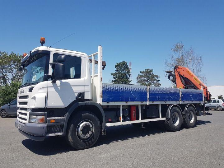 Camion porteur Scania P Plateau + grue 340 CB 6x4 + PALFINGER PK18500 BLANC - 1