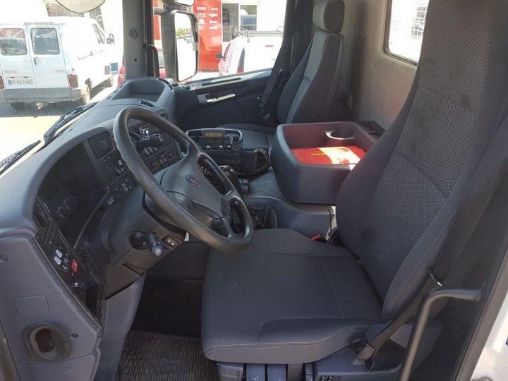 Camion porteur Scania P Plateau + grue 340 CB 6x4 + PALFINGER PK18500 BLANC - 16