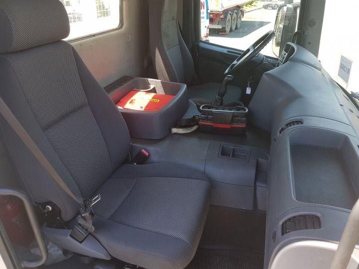 Camion porteur Scania P Plateau + grue 340 CB 6x4 + PALFINGER PK18500 BLANC - 17