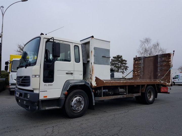 camion porteur volvo fl porte engins occasion saint maur indre n 4183164. Black Bedroom Furniture Sets. Home Design Ideas