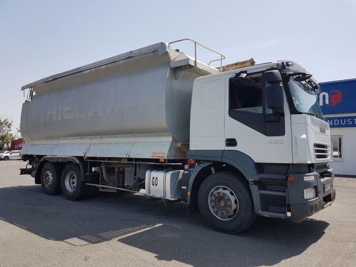 Camion porteur Iveco Stralis Citerne Pulvérulents AT 420 6x2 - 260 S 42 - ECOVRAC 33m3 BLANC et GRIS Occasion - 3