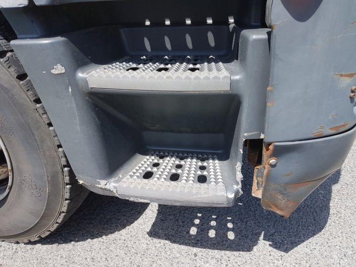 Camion porteur Iveco Stralis Citerne Pulvérulents AT 420 6x2 - 260 S 42 - ECOVRAC 33m3 BLANC et GRIS Occasion - 16