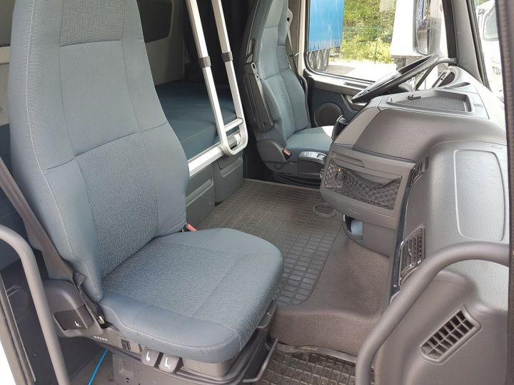 Camion porteur Volvo FH13 Rideaux coulissants 500 + SAMRO 3 essieux (2002) - COMBI 110m3 BLANC - 18