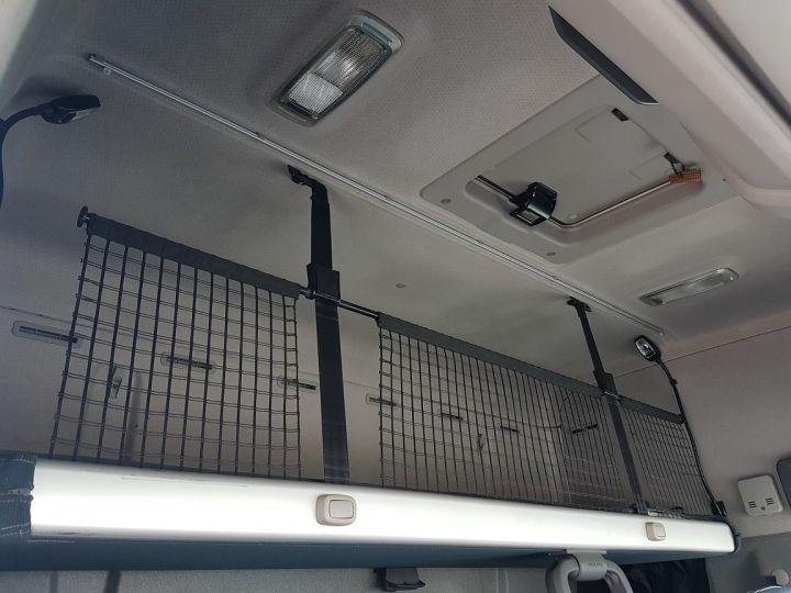 Camion porteur Volvo FH13 Rideaux coulissants 500 + SAMRO 3 essieux (2002) - COMBI 110m3 BLANC - 19