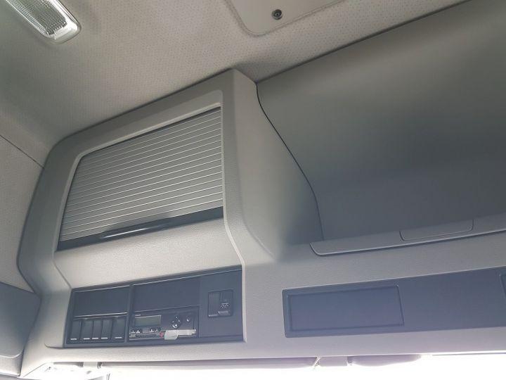 Camion porteur Volvo FH13 Rideaux coulissants 500 + SAMRO 3 essieux (2002) - COMBI 110m3 BLANC - 20