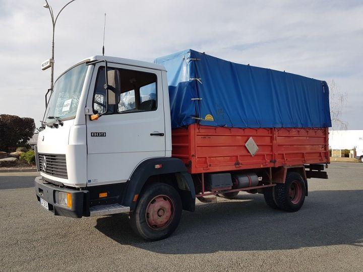 Camion porteur Mercedes LK Savoyarde 809 R BLANC - ROUGE - BLEU - 1