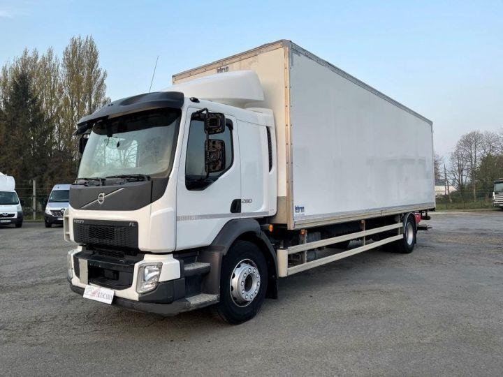 Camion porteur Volvo FL 280 FOURGON HAYON ELEVATEUR BLANC - 1
