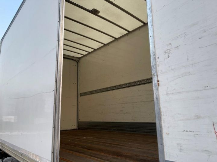 Camion porteur Volvo FL 280 FOURGON HAYON ELEVATEUR BLANC - 6