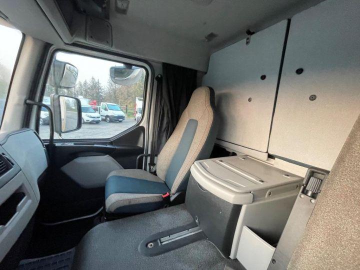 Camion porteur Volvo FL 280 FOURGON HAYON ELEVATEUR BLANC - 13