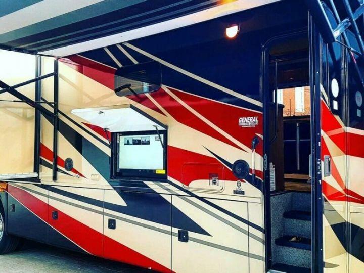 Camion porteur Volvo Thor Motor Coach Outlaw 37 Gris Peinture métallisée - 2