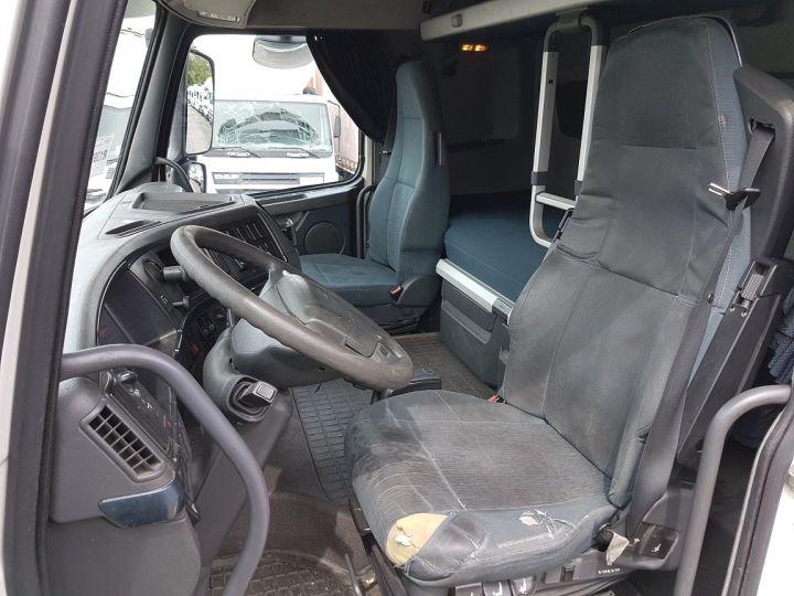 Camión Volvo FH13 Tauliner 500 + SAMRO 3 essieux (2002) - COMBI 110m3 BLANC - 17