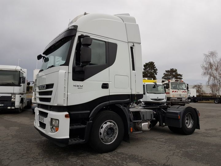 Camion tracteur BLANC Occasion - 1