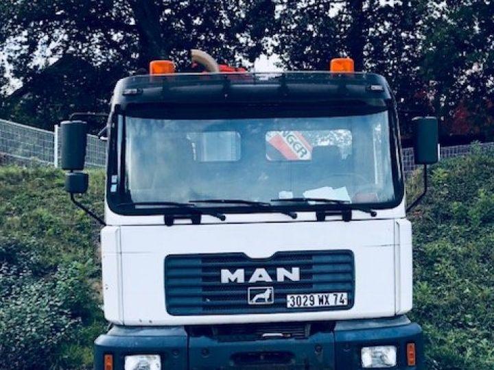 Camion tracteur blanc - 2