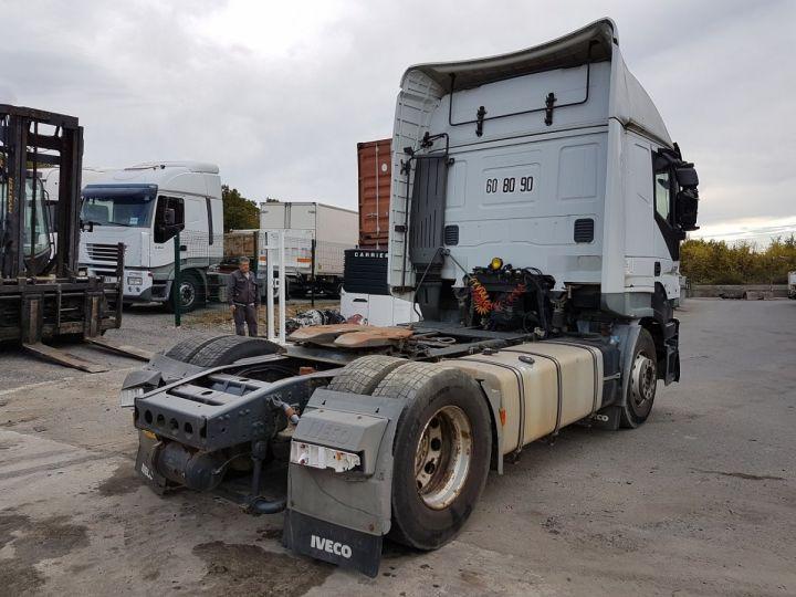 Camion tracteur Iveco Stralis AS 420 - Pour pièces (panne BV + chocs cabine) BLANC Occasion - 2