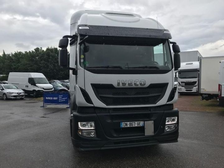 Camion tracteur Iveco Stralis Hi-Road AT440S46 TP E6 - offre de location 825 Euro HT x 36 mois* Blanc - 2