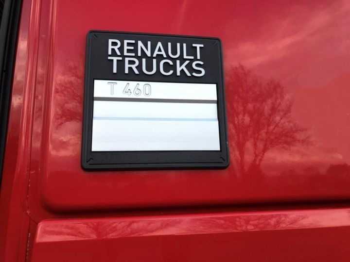 Camion tracteur Renault ROUGE - 18