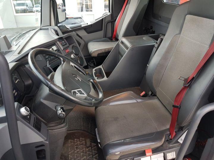 Camion tracteur Renault C 430 A.D.R. BLANC - 9