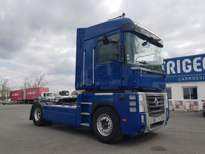 Camion tracteur Renault Magnum 520dxi PRIVILEGE BLEU - 3