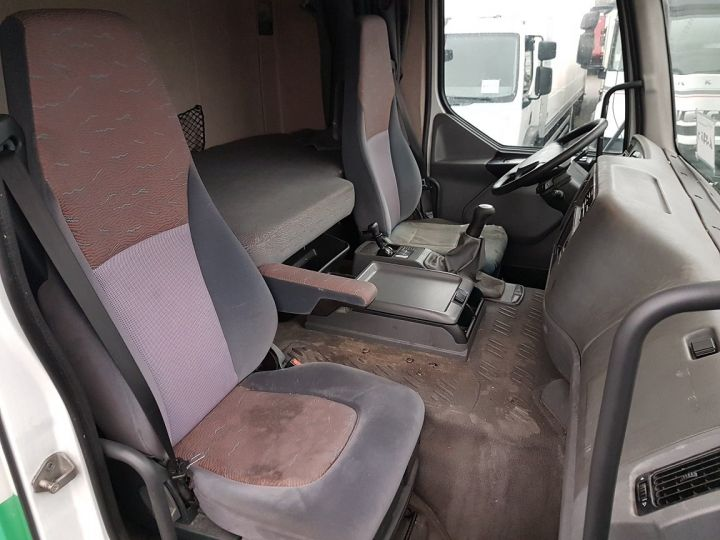 Camion tracteur Renault Premium 420dci PRIVILEGE BLANC - VERT - 9