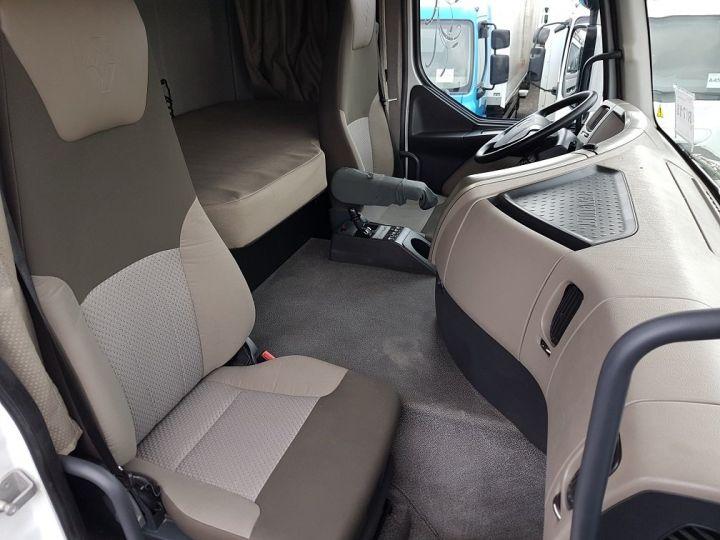 Camion tracteur Renault Premium 460dxi EEV - RTMD/ADR BLANC - 9