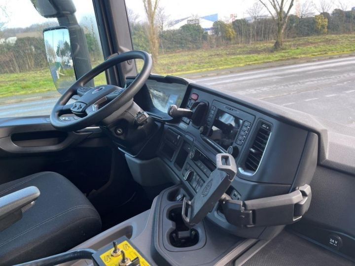 Camion tracteur Scania P 410 6x4 POLYBENNE BRAS AMPLIROLL BOITE AUTOMATIQUE BLANC - 11