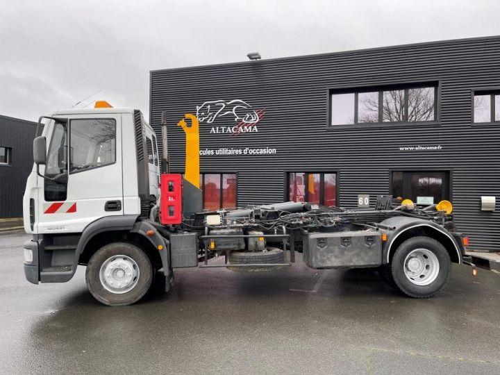 Camión tractor Iveco EuroCargo 160 E21 POLYBENNE BRAS AMPLIROLL BENNE AMOVIBLE AVEC 1 CAISSON  BLANC - 1