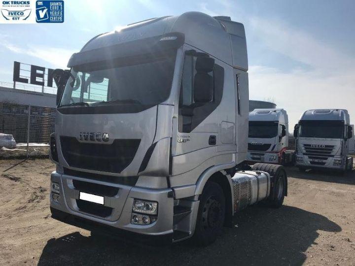 Camión tractor Iveco Stralis Hi-Way AS440S46 TP E6 - offre de location 998 Euro HT x 36 mois* Gris Clair Métal - 2